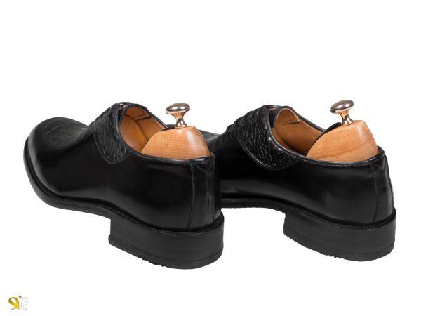 کفش مردانه تمام چرم مجلسی رنگ مشکی مدل گلبرگ - کفش سی سی