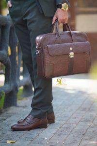 عکس مدل کفش مردانه رسمی آرمان رنگ قهوه ای - صنایع چرم سی سی