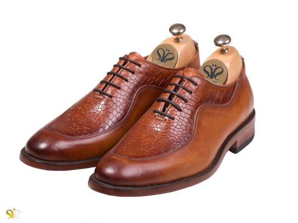 کفش مردانه مدل گلبرگ سی سی رنگ عسلی