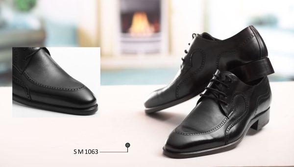 کفش چرمی دست دوز سنتی تبریز با پوست گاوی و زیره چرمی رنگ مشکی