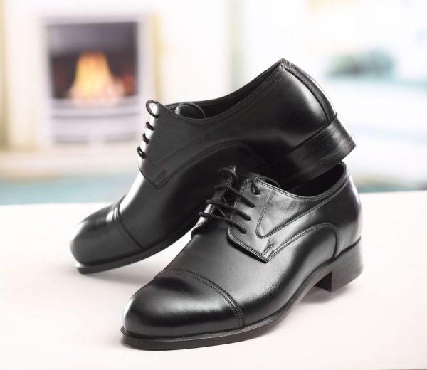 کفش مردانه چرمی با چرم ساده و پنجه طرح دار ساده