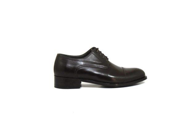 نمای کناری کفش چرمی مردانه مدل کلاسیک برت مدل انگلیسی
