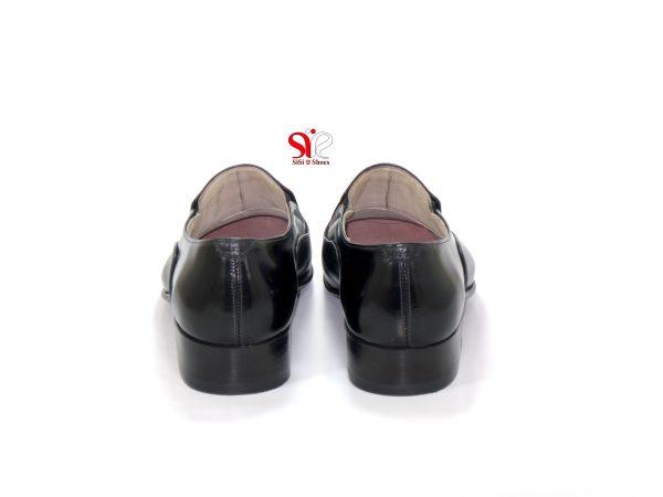 پشت پاشنه کفش چرمی مردانه