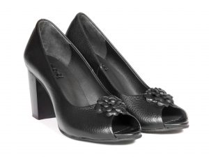 کفش زنانه پاشنه دار مدل رجس