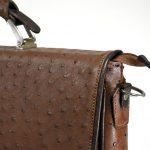 کیف چرم مدل رابرتو با دسته فلزی و روکش چرم