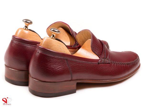 پاشنه 2.5 سانتی متریو زیره منعطف و سبک کفش کالج ماکاسین رنگ زرشکی