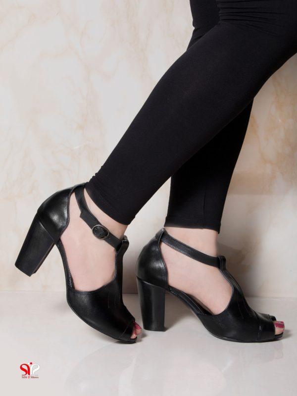 عکس مدل کفش پاشنه دار پهن زنانه آدینا