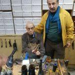 آقای مهران رجبی هنرمند محبوب کنار استاد حاج محمد خادم پدر کفش دست دوز
