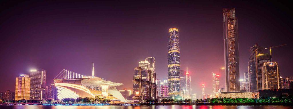 شهر گوانجو چین یکی از قدیمی ترین شهرهای چین است که ترکیبی از مدرنیته و سنت در کنار هم است