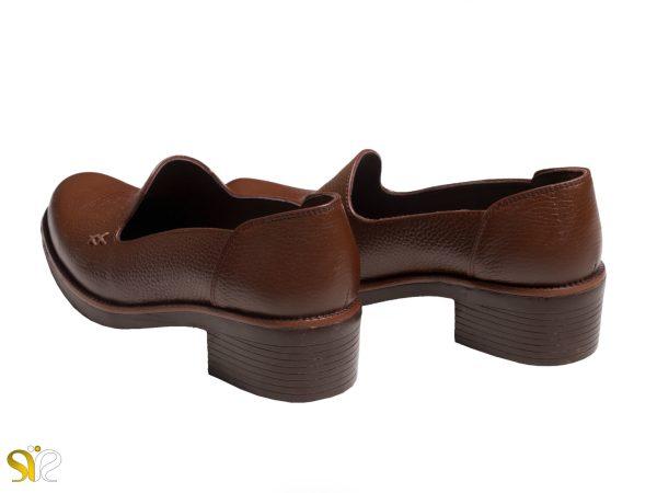 کفش زنانه اداری با پاشنه کوتاه ۵ سانتی مدل ویونا قهوه ای