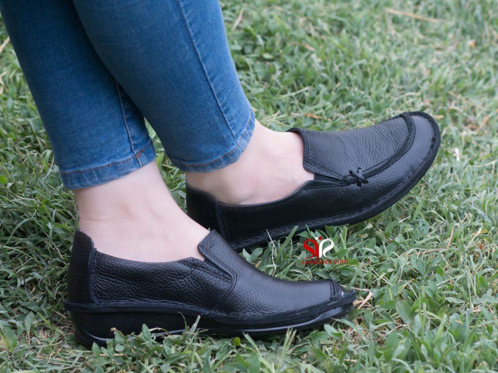 کفش طبی زنانه رنگ مشکی مدل مرسده
