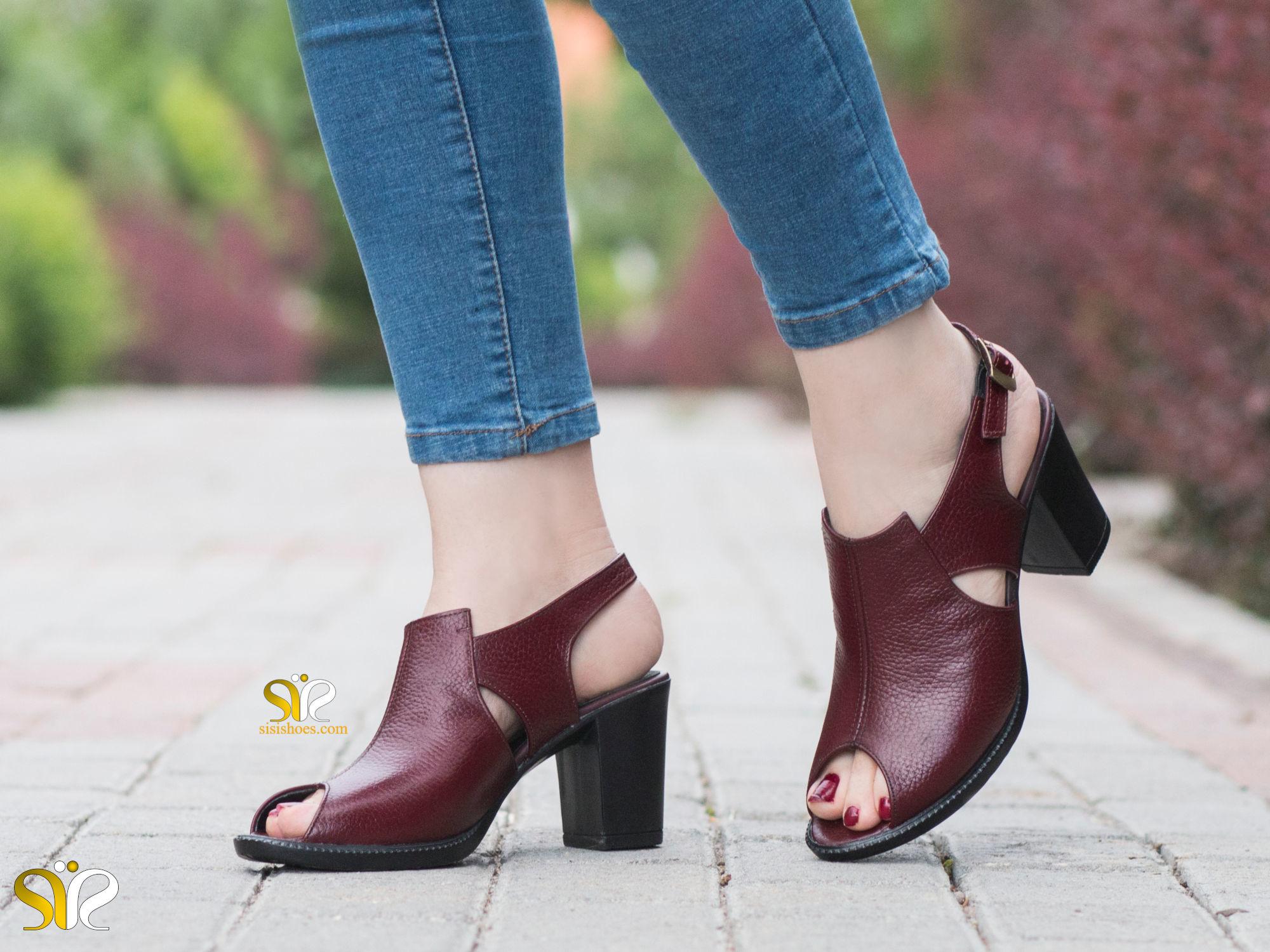 عکس مدل کفش زنانه لادینا رنگ زرشکی
