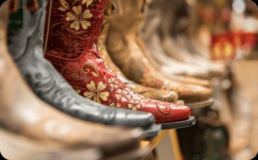 چکمه های کابوی زنانه (Cowboy Boots)