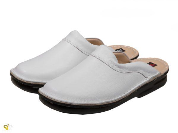 عکس مدل دمپایی چرم مردانه رنگ سفید کاستر برای محیط پزشکی و درمانی - دمپایی ساده