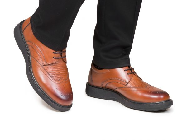 کفش مردانه برای استفاده روزمره مدل پاما رنگ عسلی