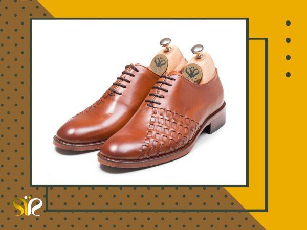 کفش مردانه چرم عسلی دستدوز مدل دیبالا