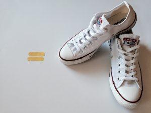 روش های تمیز کردن کفش های سفید رنگ
