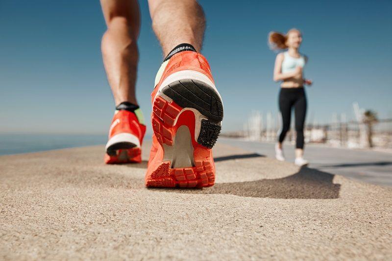 کفش ورزشی مناسب
