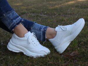 مزیت های کفش اسپورت سفید
