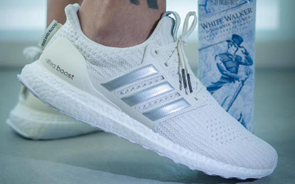 انواع کفش؛ رنگ مشکی در کفش ها بهتر است یا سفید؟