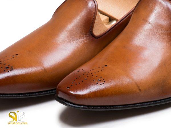 سمبه کاری روی چرم کفش ندل لورچ