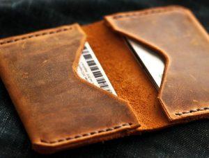دلیل محبوبیت کیف پول چرمی زنانه و مردانه