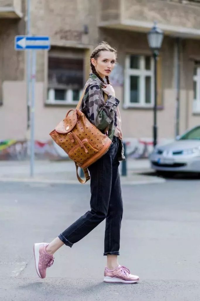 ست کیف و لباس زنانه